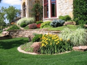Brilliant Front Yard Corner Lot Landscaping Ideas 14