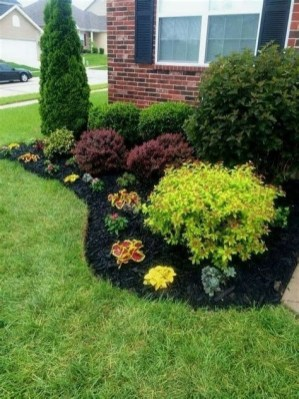 Stunning Front Yard Landscaping Ideas On A Budget 34