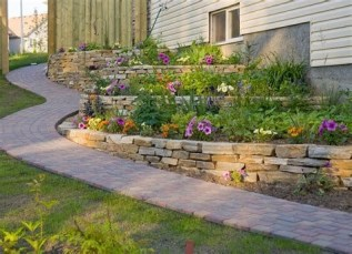 Totally Cute Sloped Backyard Landscaping Ideas 10
