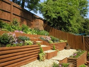 Totally Cute Sloped Backyard Landscaping Ideas 14