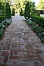 Totally Inspiring Front Yard Pathway Ideas 29