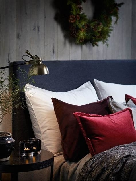 Awesome Burgundy And Grey Bedroom Ideas 04