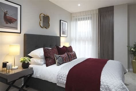 Awesome Burgundy And Grey Bedroom Ideas 34