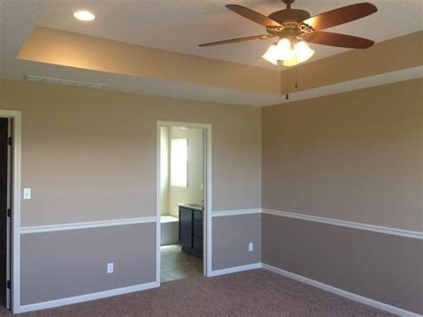 Lovely Two Tone Bedroom Paint Ideas 15