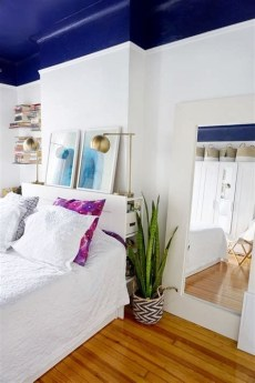 Lovely Two Tone Bedroom Paint Ideas 28