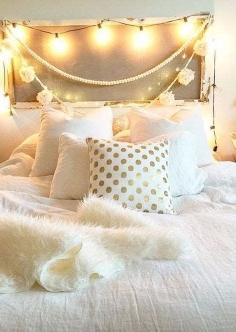 Totally Comfy White And Gold Themed Bedroom Ideas 33