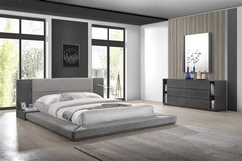 Totally Cute Charcoal Grey Bedroom Set Ideas 27