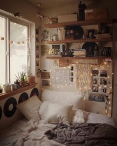 Adorable Aesthetic Room Ideas For Small Rooms 36