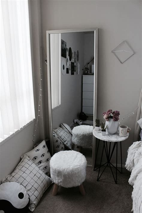 Adorable Aesthetic Room Ideas For Small Rooms 44