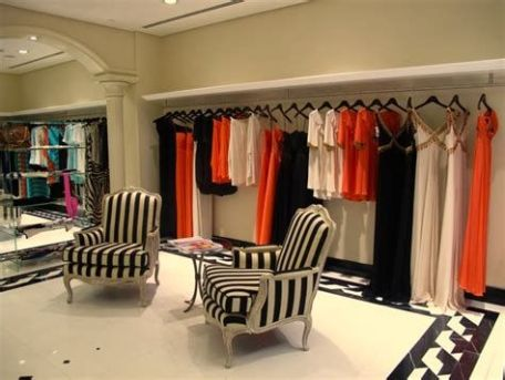 Beautiful Very Small Boutique Design 03