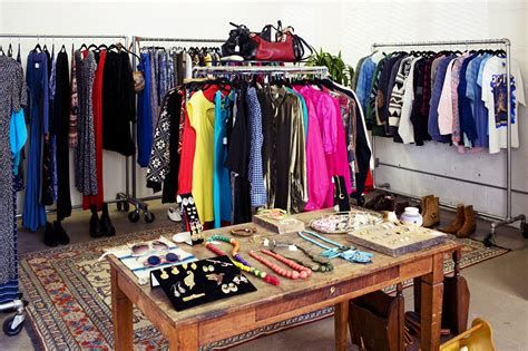 Beautiful Very Small Boutique Design 12