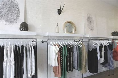 Beautiful Very Small Boutique Design 25