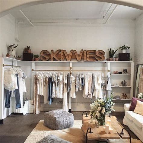 Beautiful Very Small Boutique Design 27