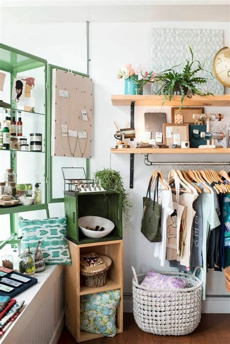 Beautiful Very Small Boutique Design 39
