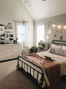 Cool Aesthetic Bedroom Background Ideas 36