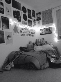 Totally Cute Black And White Room Aesthetic Ideas 21