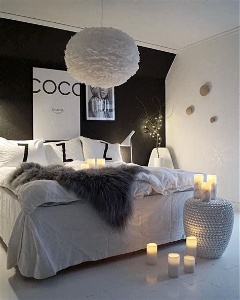 Totally Cute Black And White Room Aesthetic Ideas 42