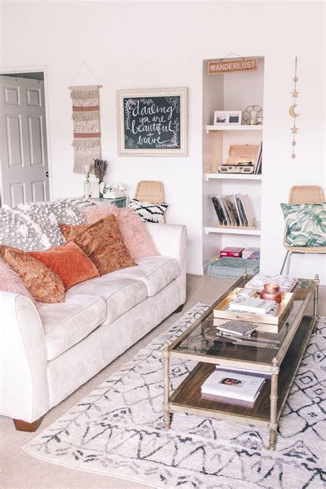 Gorgeous Middle Class Living Room Ideas 12