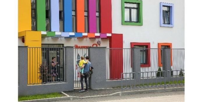 Cluj. Emil Boc: Buget 2020: 90 noi locuri în creșe. Numărul de locuri în creșe a crescut de la 773 în 2012 la 1232 în prezent, respectiv 1322 până la finalul anului 3