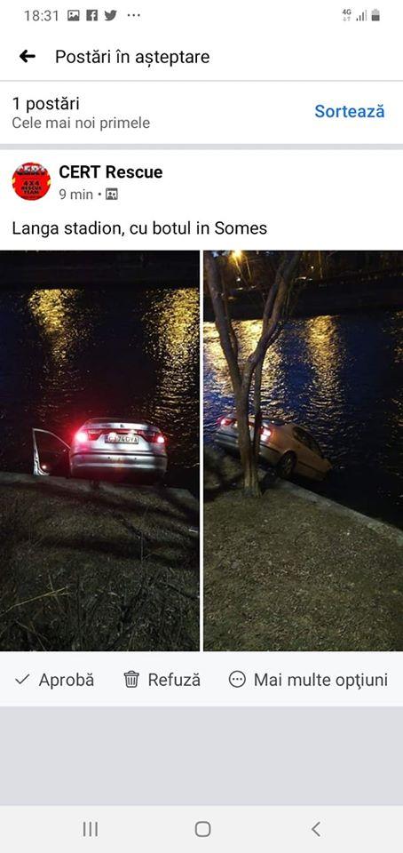 """(Foto) Accident Cluj. Mașină căzută în Someș, lovită puternic. Delia: """"In 3 secunde de la impact, au sărit vreo 10 oameni din mașini sa ajute. Absolut impresionant! De la 112 am fost redirecționată rapid la pompieri ..."""" 1"""