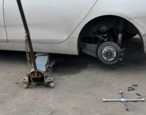 Cluj. Bărbat strivit sub o mașină, în garajul propriu. O asistentă medicală, aflată în timpul liber, i-a acordat primul ajutor 15