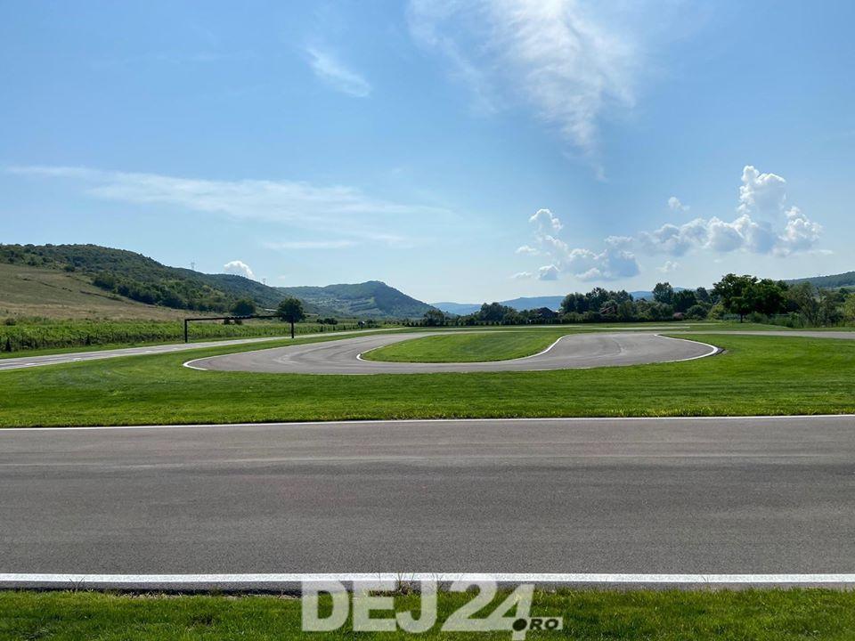 (Video) Cluj: Complex de karting, unic în Transilvania, deschis la doi pași de Dej 1