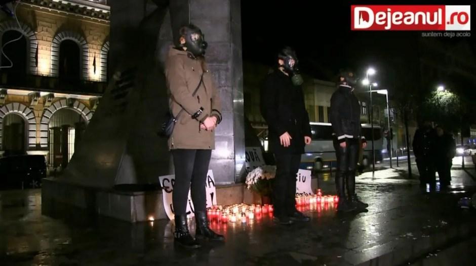 Victimele incendiului din clubul Colectiv au fost comemorate la Cluj