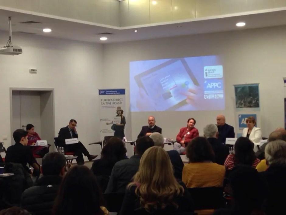 Criza în care se află presa locală a fost dezbătută în cadrul unei conferinţe desfăşurate la Cluj