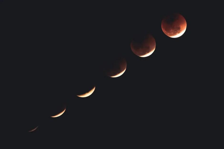 Cea mai lungă Eclipsă de Lună din acest secol va fi vizibilă, în această seară, şi din România