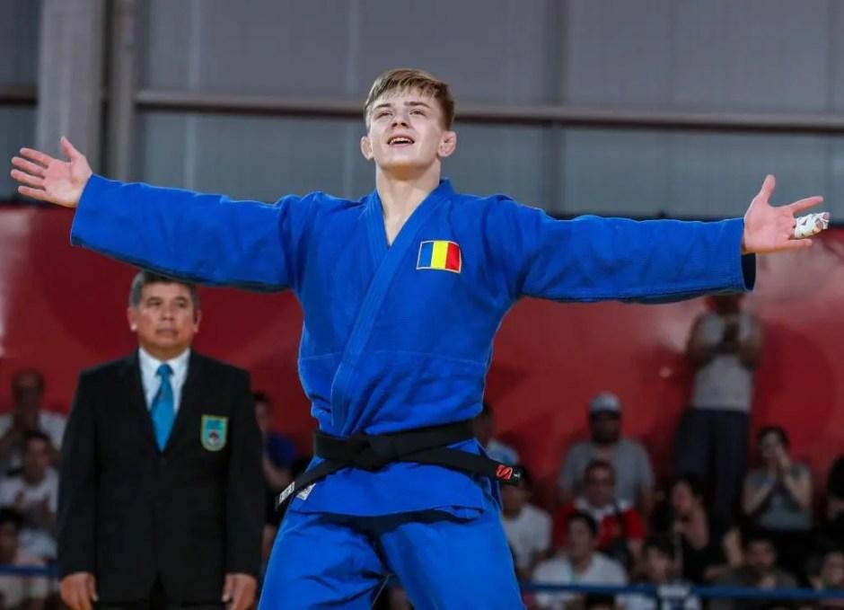 """Judoka Adrian Șulcă, legitimat la """"U"""" Cluj, a câştigat medalia de aur la Jocurile Olimpice de Tineret"""