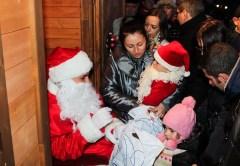Moş Nicolae va poposi în Piaţa Unirii din Cluj şi va împărţi copiilor 1500 de cadouri
