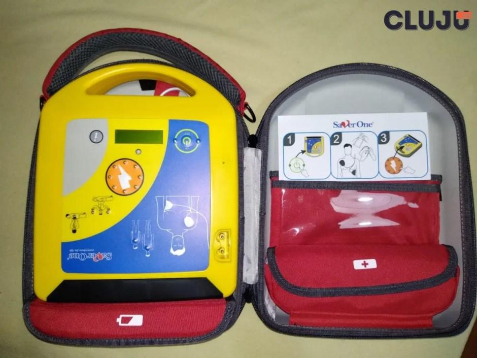 Asociația Studenților Kinetoterapeuți a cumpărat primul defibrilator extern automat din Cluj