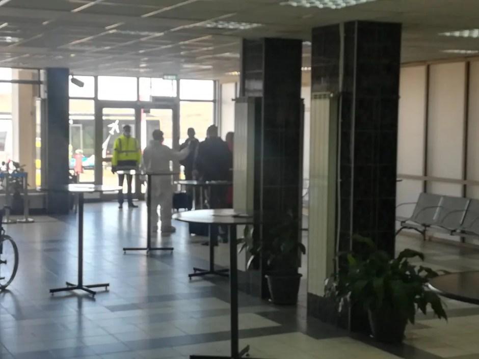 Noi măsuri pentru limitarea răspândirii coronavirusului pe Aeroportul Internaţional Cluj