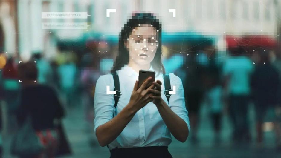 Poliția Română s-a dotat cu un sistem de recunoaștere facială | Camerele de supraveghere și Facebook vor furniza de date