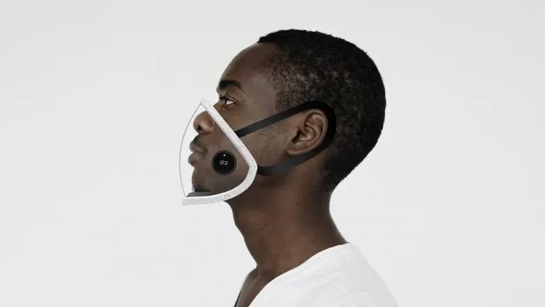 Tânăr din Cluj premiat de MIT | Acesta a creat o mască de protecție inteligentă