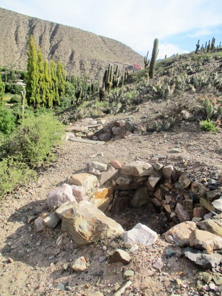 Graves in Pucara