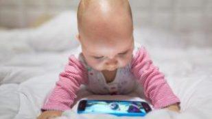 bébé ecran téléphone