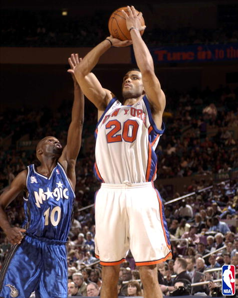 Allan Houston takes a jumper