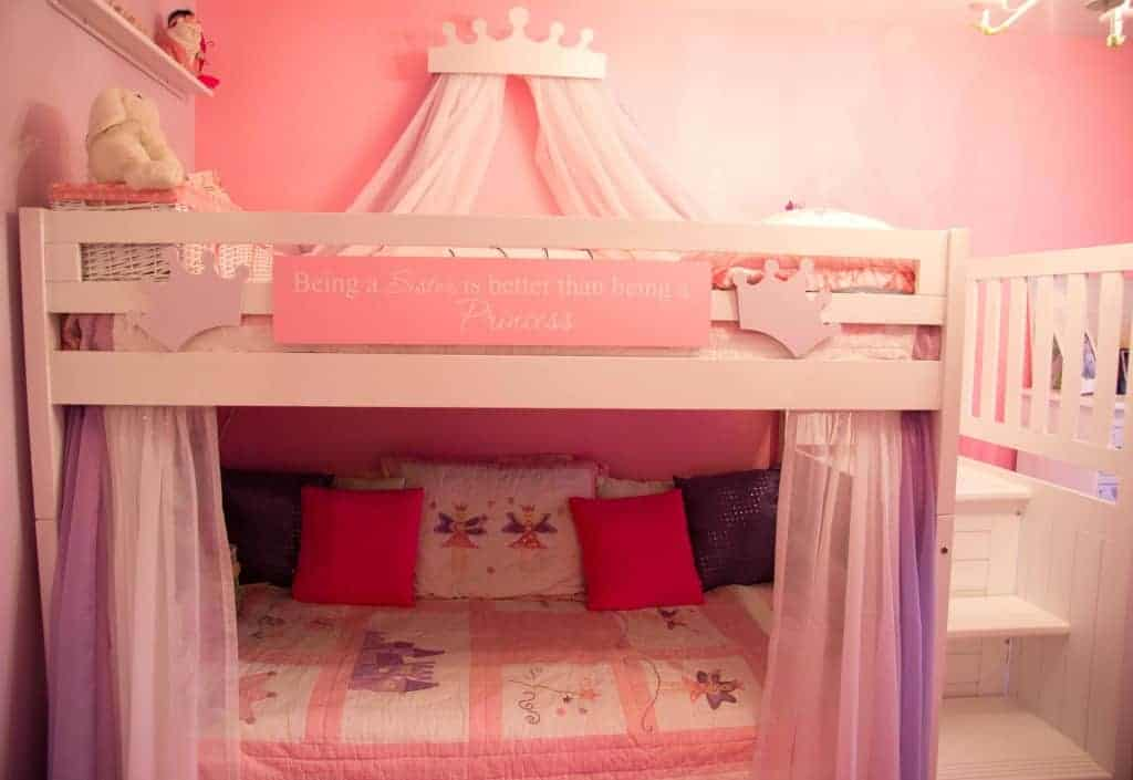 Whether you want inspiration for planning a bedroom renovation or are building a designer bedroom from scratch, houzz has 1,116,150 images from the best designers, decorators, and architects in the country, including. Decorating a shared kids room on a budget