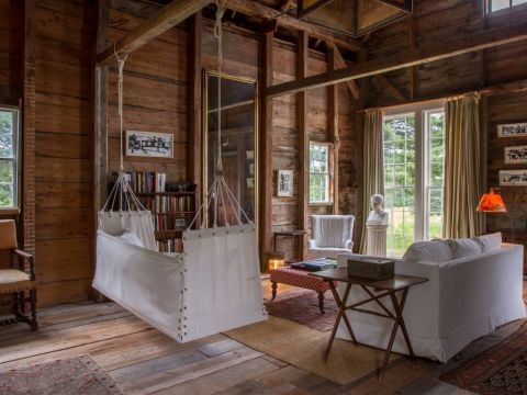 This Maine Farmhouse Is One Of The Most Picturesque Places