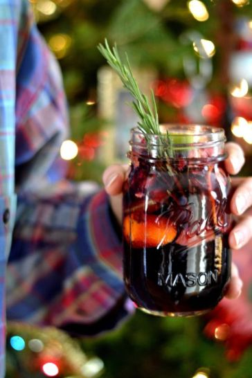 The Best Christmas Cocktails to Warm You Up This Winter