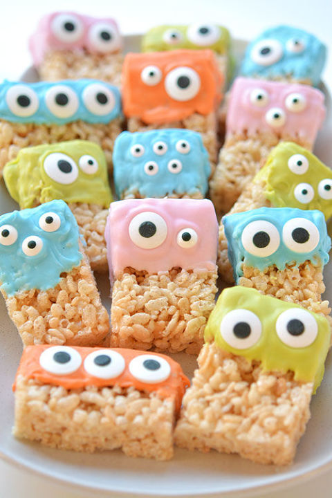 Rice Krispies treats have never looked this cute.  Get the recipe at One Little Project.