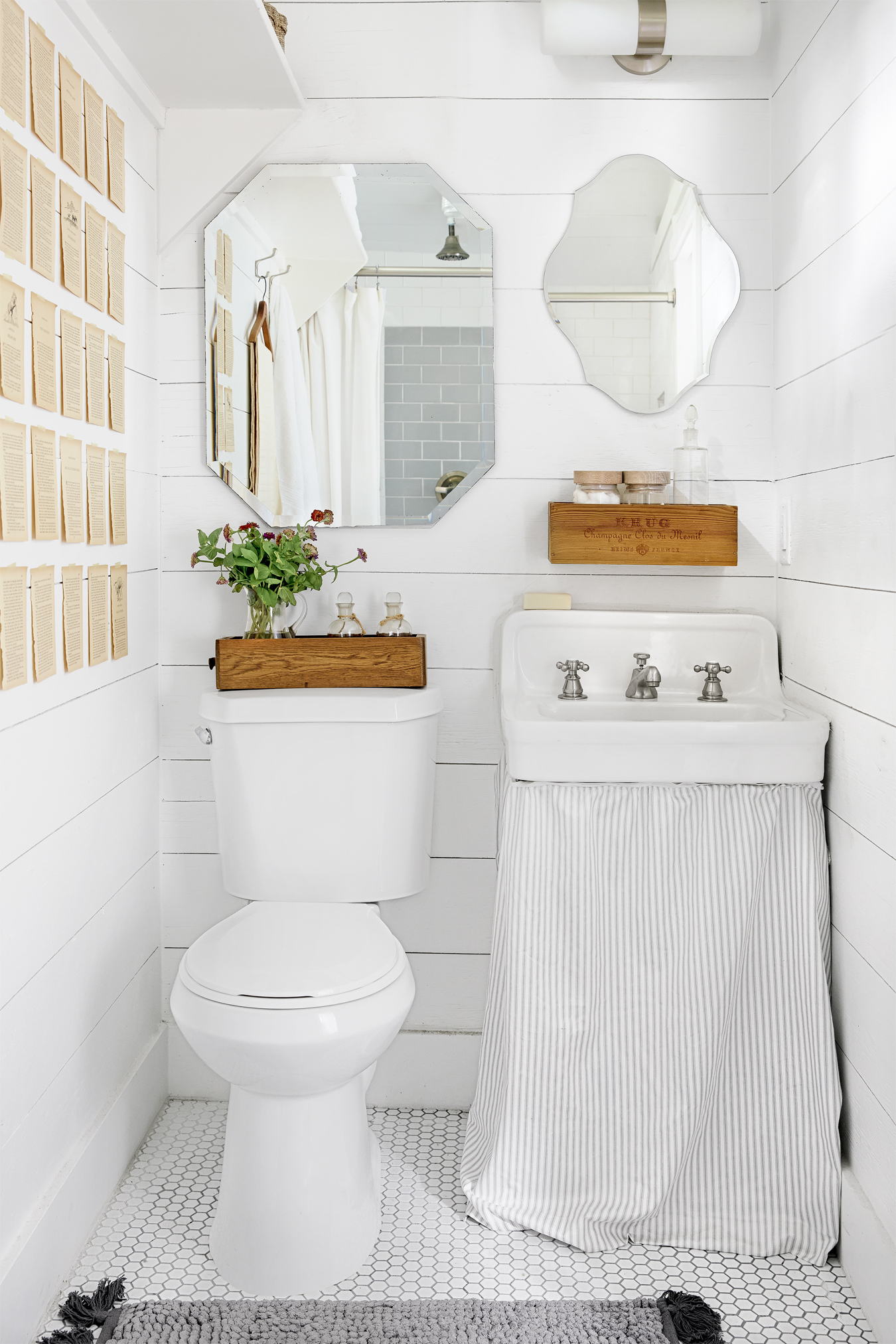 27 White Bathroom Ideas - Decorating with White for Bathrooms on White Bathroom Design Ideas  id=37028