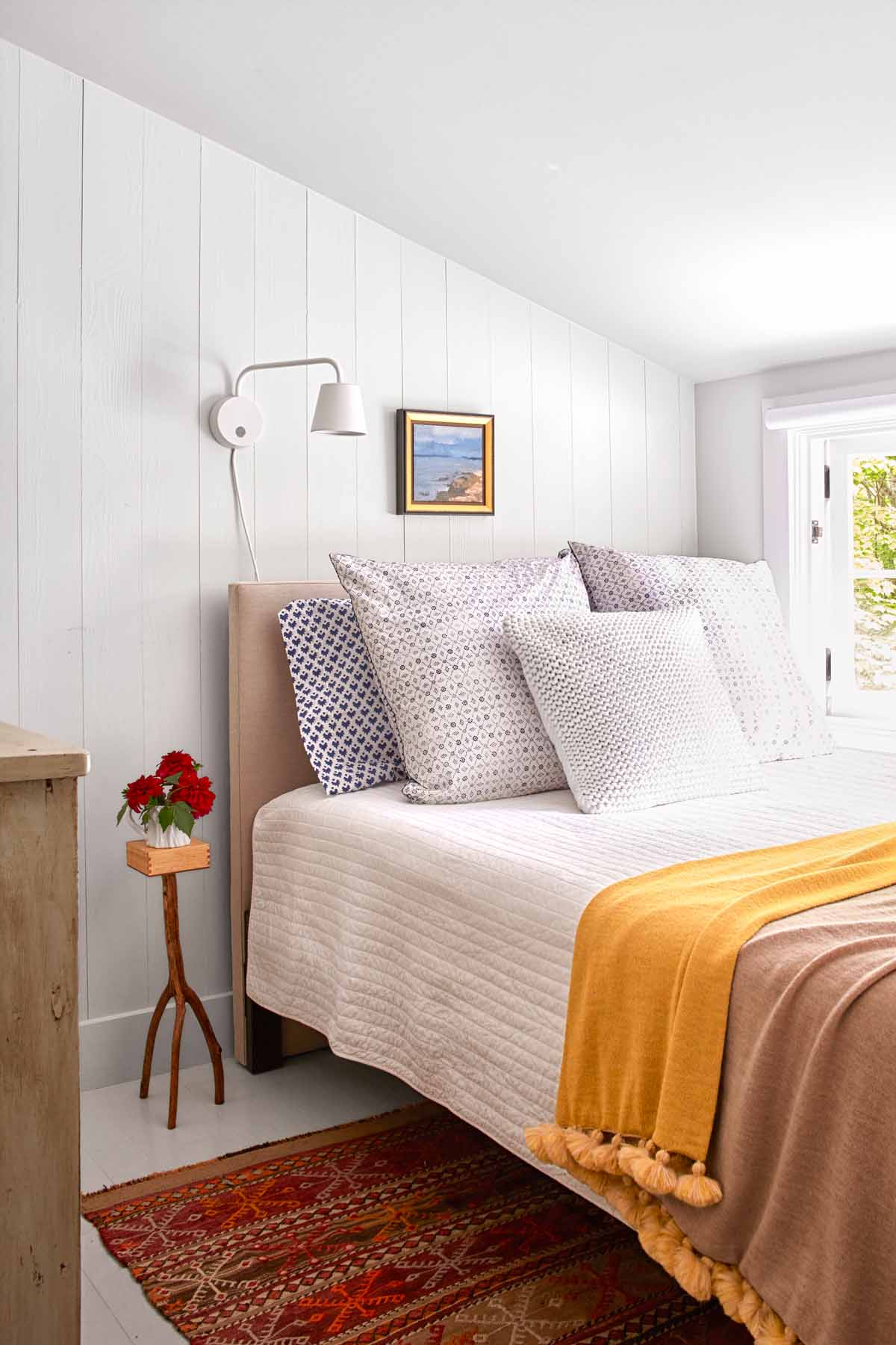 30+ Guest Bedroom Pictures - Decor Ideas for Guest Rooms on Decor For Room  id=20317