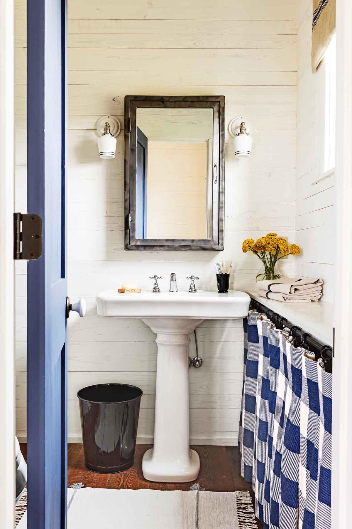 34 rustic bathroom decor ideas rustic modern bathroom on rustic bathroom designs photos id=38713
