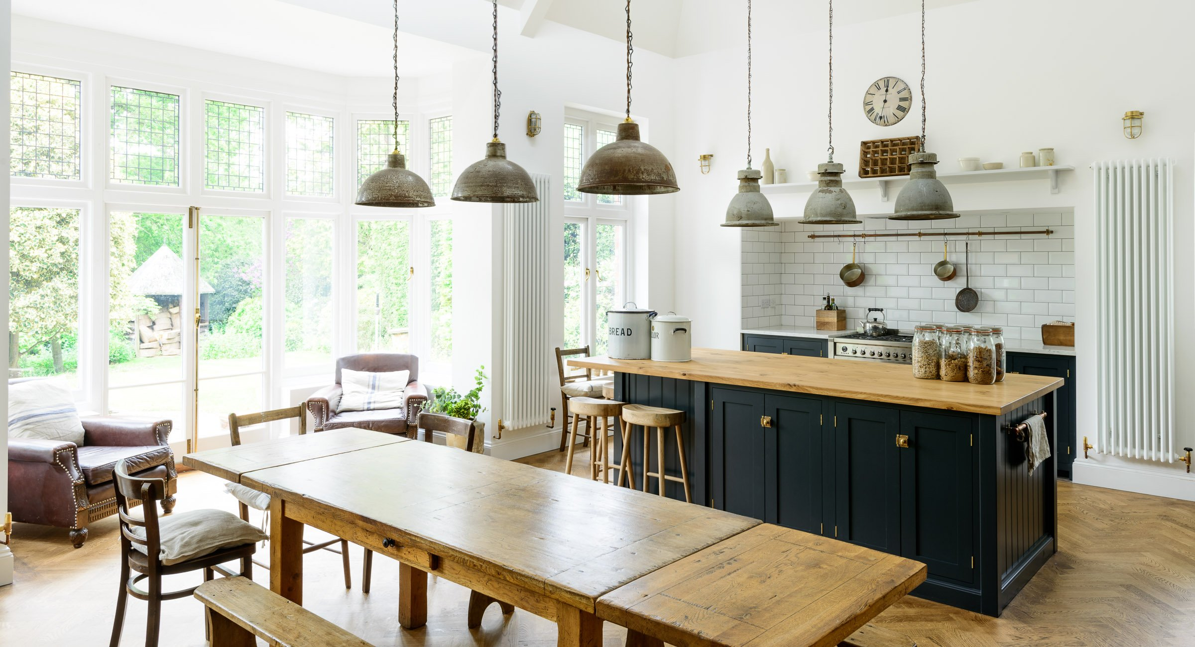 10 Modern Rustic Decor Ideas - These Modern Rustic Rooms ... on Rustic Traditional Decor  id=45982