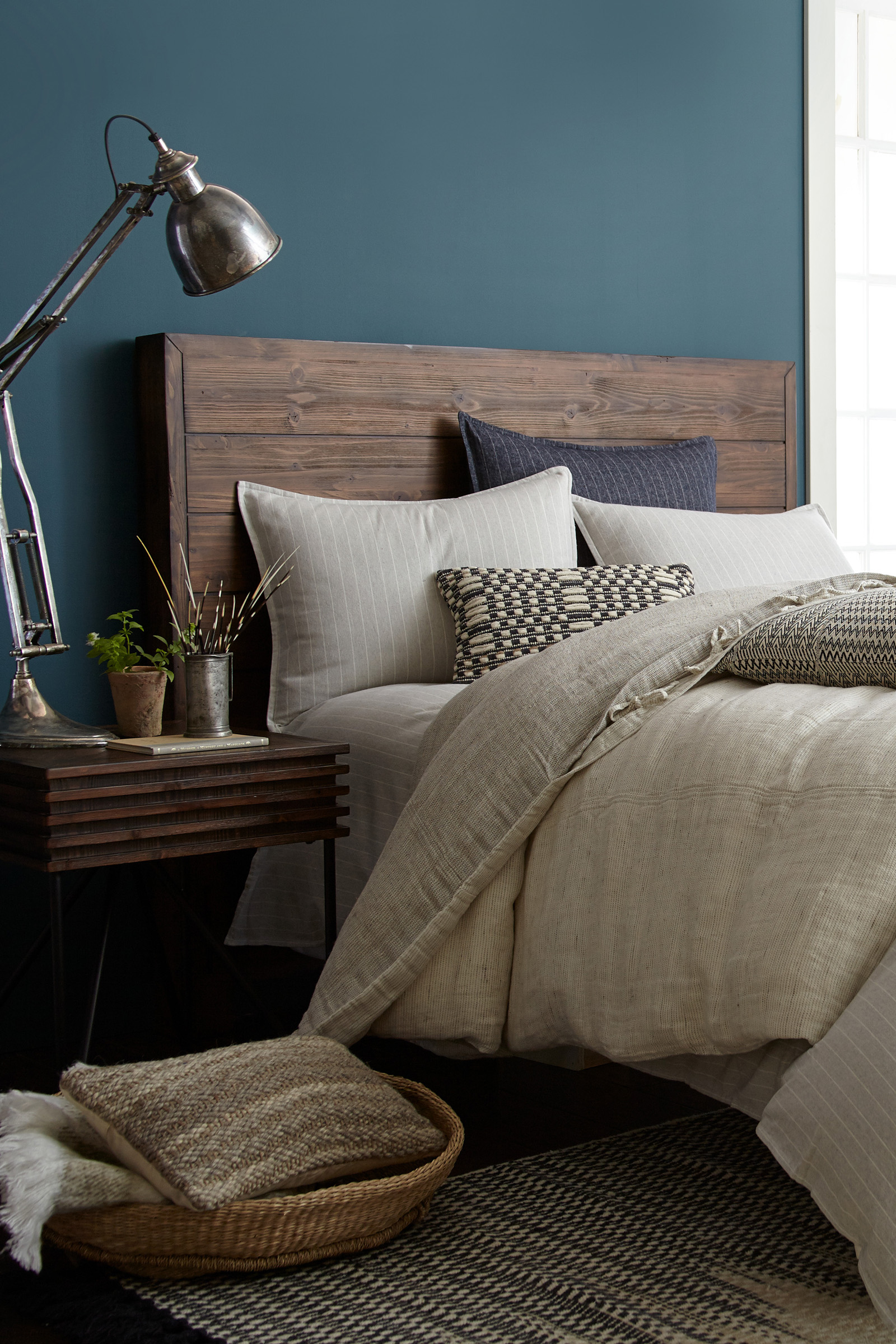 29/01/2019· tour joanna gaines bedroom and get ideas for your own house by shopping everything you need to copy her modern farmhouse style with furniture, bedding, and decor Joanna Gaines' Favorite Paint Colors - HGTV Fixer Upper
