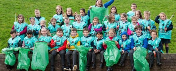 Renfrewshire kids help launch month long Big Spring Clean