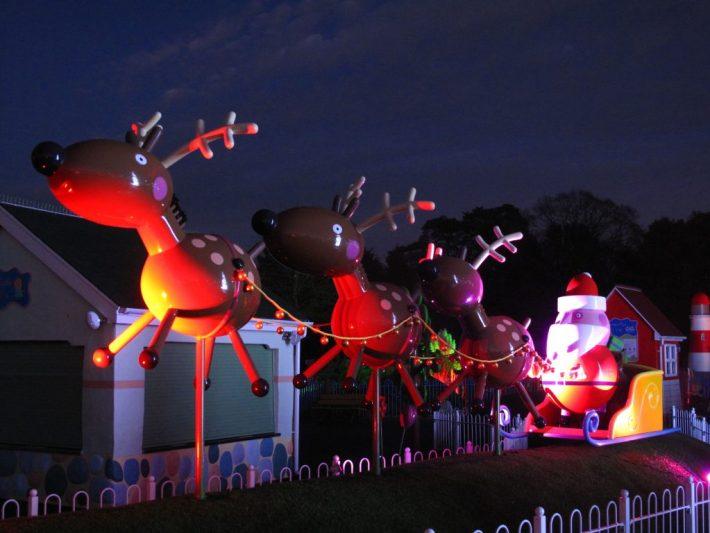 santa-and-his-reindeer