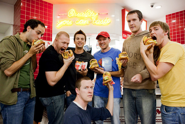 Seven SmugMugs eat seven 7x7 burgers at In-N-Out for Windows 7